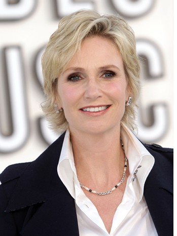 JANE LYNCH DISHES GLEE & THE 63RD ANNUAL PRIMETIME EMMY AWARDS