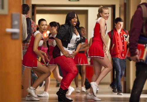 SPOILER ALERT! Saturday Night Glee-ver Airs Tonight!