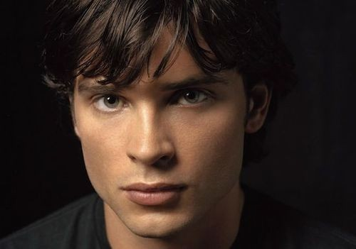 Smallville's Tom Welling Leaps To The Big Screen In JFK Drama!