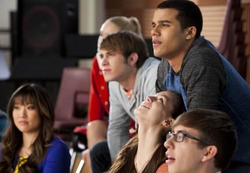 Fox Supersized Thursday: Idol Extended, Milestone Glee!