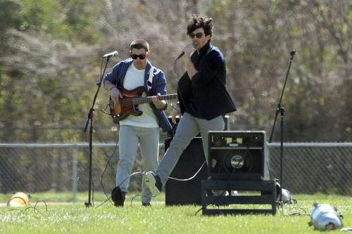 Shake Your 'Pom Poms' for the Return of The JoBros!