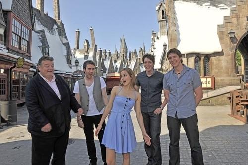 Happy Birthday To Harry Potter's James & Oliver Phelps!