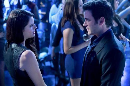 Arrow Episode Recap: The Huntress Returns!