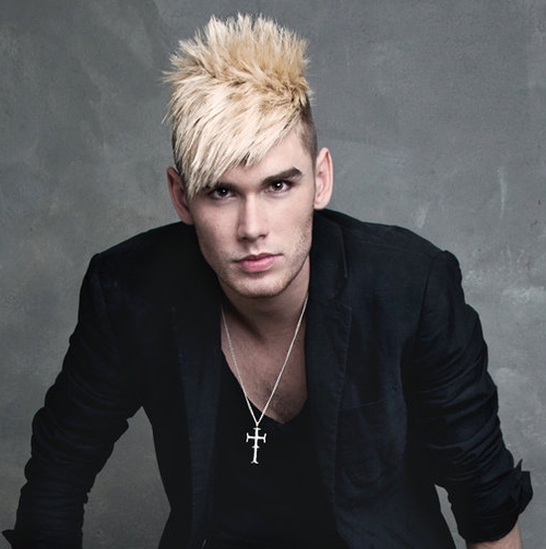 Colton Dixon Comes Home To American Idol