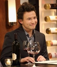 90s Teen Idol Jonathan Taylor Thomas Speaks About Fame & Growing Up