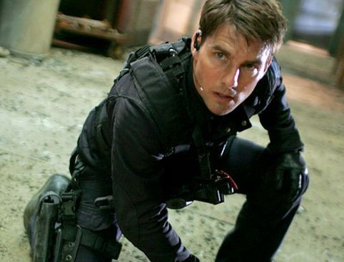 Tom Cruise Looks To Mission Impossible 5!