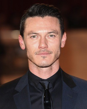 Luke Evans Lands The Leading Role In Universal's Dracula