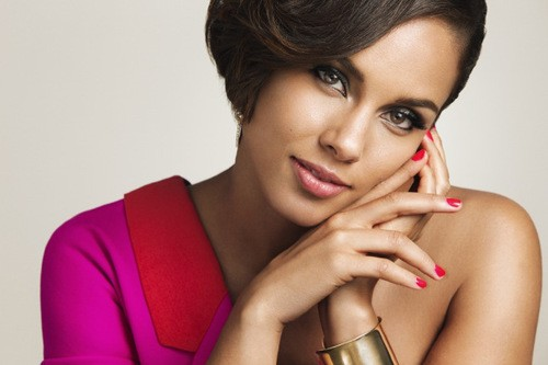 Alicia Keys Campaigns For HIV Awareness For Women!