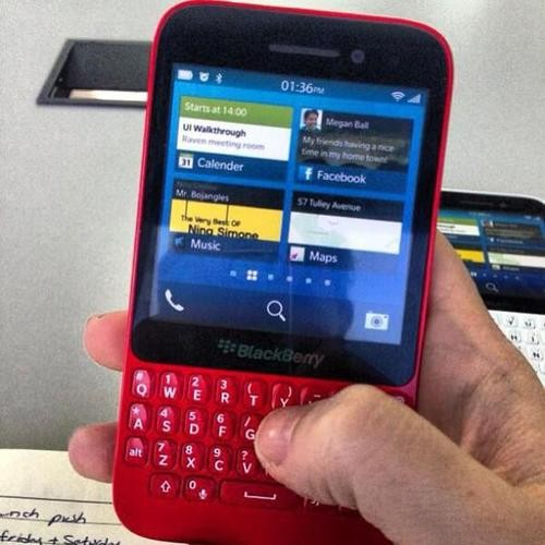 Blackberry R10 Shown in Leaked Photo!