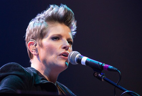 Former Dixie Chicks Frontwoman Supports Marriage Equality!