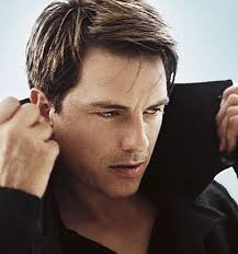 Ready To See Some Celebs Sing Their Faces Off With John Barrowman?