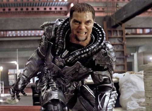 Michael Shannon's Zod Chills In New