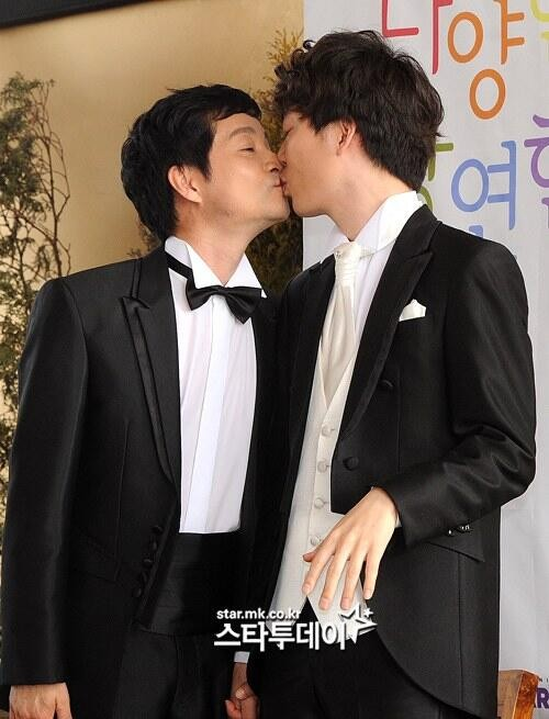South Korean Director to Marry Boyfriend of Nine Years!