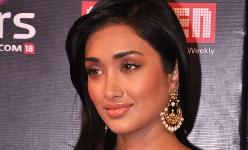 Bollywood Actress Jiah Khan Commits Suicide: Found Dead At Home!