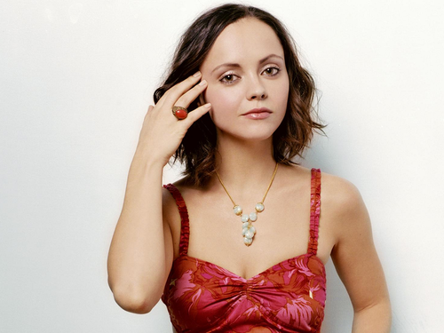 Christina Ricci To Play Lizzie Borden in Lifetime Production