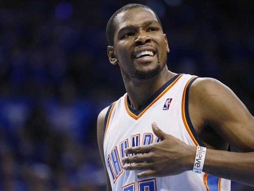 Kevin Durant signs with Roc Nation Sports