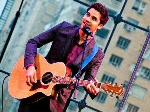 Pop 5 (6): New Songs By Darren Criss!