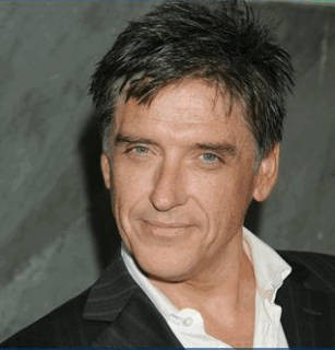 Craig Ferguson Receives Award At Baniff World Media Festival!