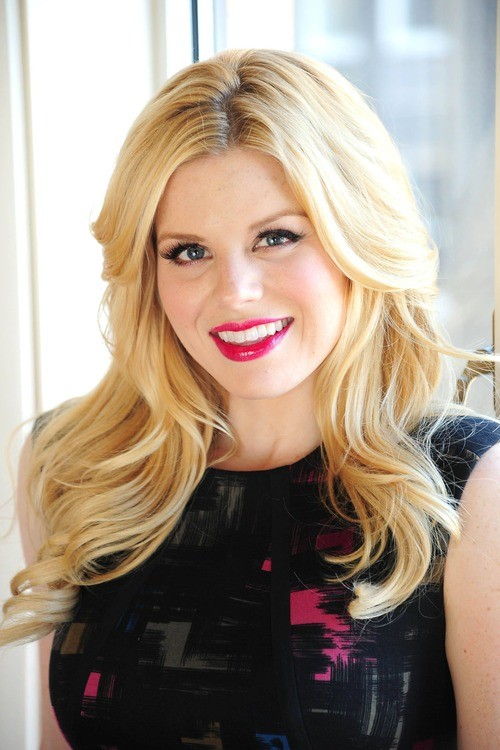 Smash's Megan Hilty To Join Sean Hayes' Show,