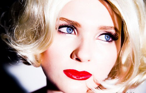 LIttle Miss Sunshine's Abigail Breslin Is All Grown Up--And SEXY!