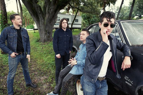 Arctic Monkeys New Album To Have A 'Sexy' Feel To It!