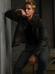 Smallville's Justin Hartley Cast As Victoria's Son in Revenge!