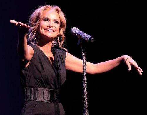 Pop 10 Best Performances By Kristin Chenoweth!