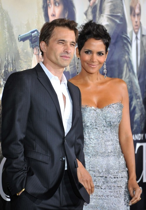 Halle Berry and Olivier Martinez Have a Romantic French Wedding!