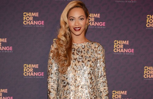 Beyonce Holds a Moment Of Silence For Trayvon Martin