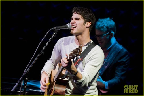 Listen Up Tour: Darren Brings Down the House in NYC