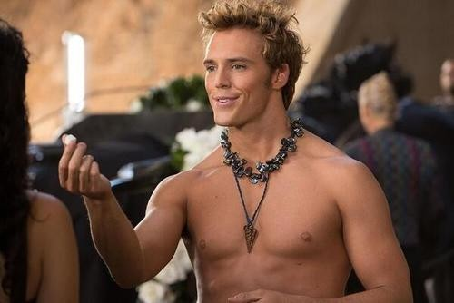 He's On Fire: Check Out Shirtless Finnick Pic From Catching Fire