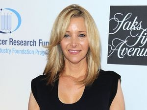 Lisa Kudrow Claims She's Too Old To Reunite With Friends