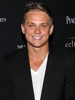Billy Magnussen Replaces Jake Gyllenhaal in Into the Woods