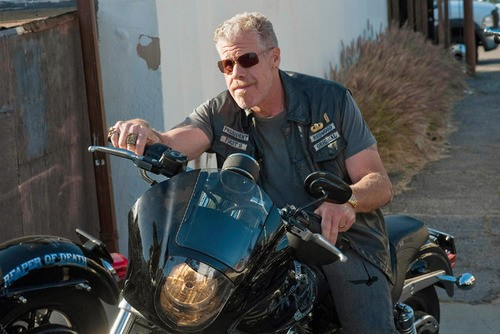 Sons Of Anarchy Star Ron Perlman Discovers Fans Want Clay To Die