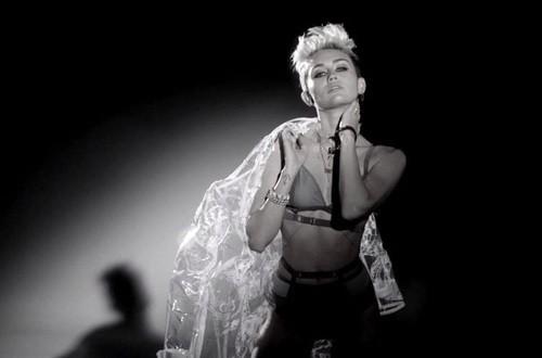 Miley Cyrus Is Scorching In Big Sean's