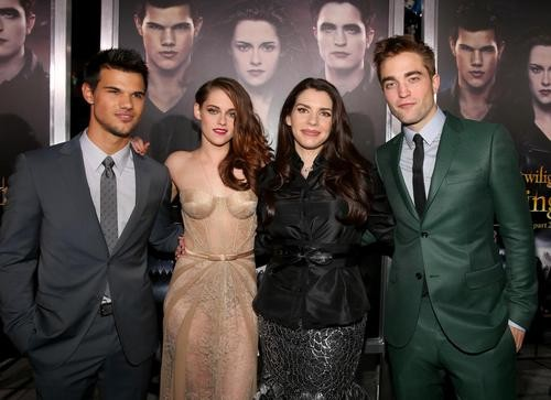 Stephenie Meyer Feels For Robert Pattinson and Jennifer Lawrence