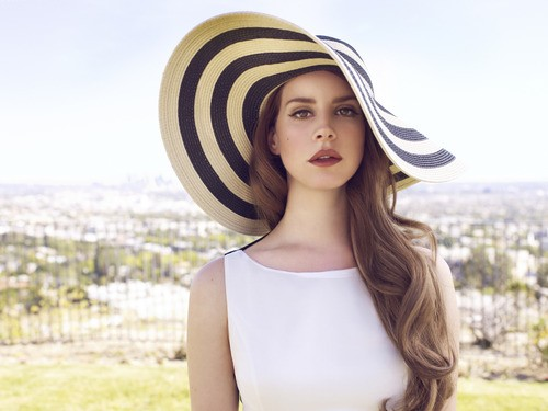 Lana del Ray Feels Discouraged By Music Leaks