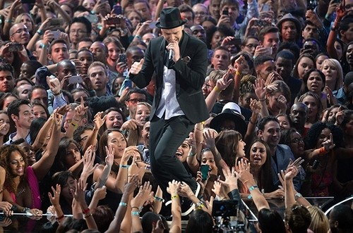 Justin Timberlake Writes Letter To Fans About 20/20 Experience 2 of 2