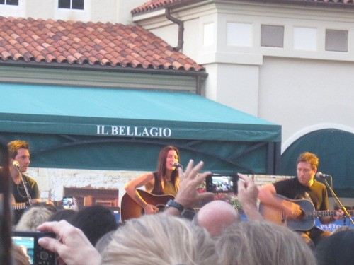We Saw It: Cassadee Pope Performance In West Palm Beach