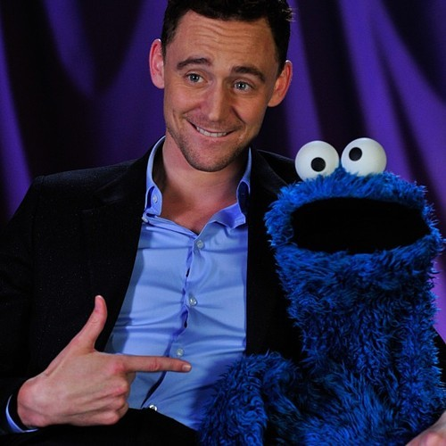 Tom Hiddleston Tames Cookie Monster In A Very Special Lesson