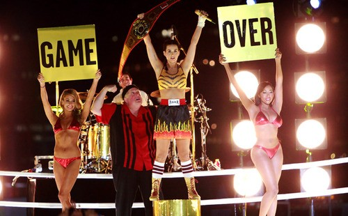 Katy Perry Takes The Top Spot And Proves She's Still A Champion