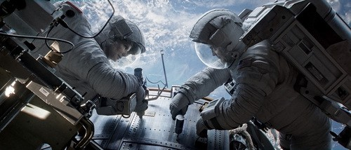 Sandra Bullock And George Clooney Fight For Life In Gravity Trailer