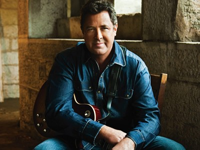 Vince Gill Stands Up To Westboro Baptist Protestors
