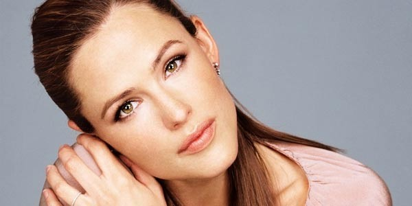 Jennifer Garner To Front Male Strip Club