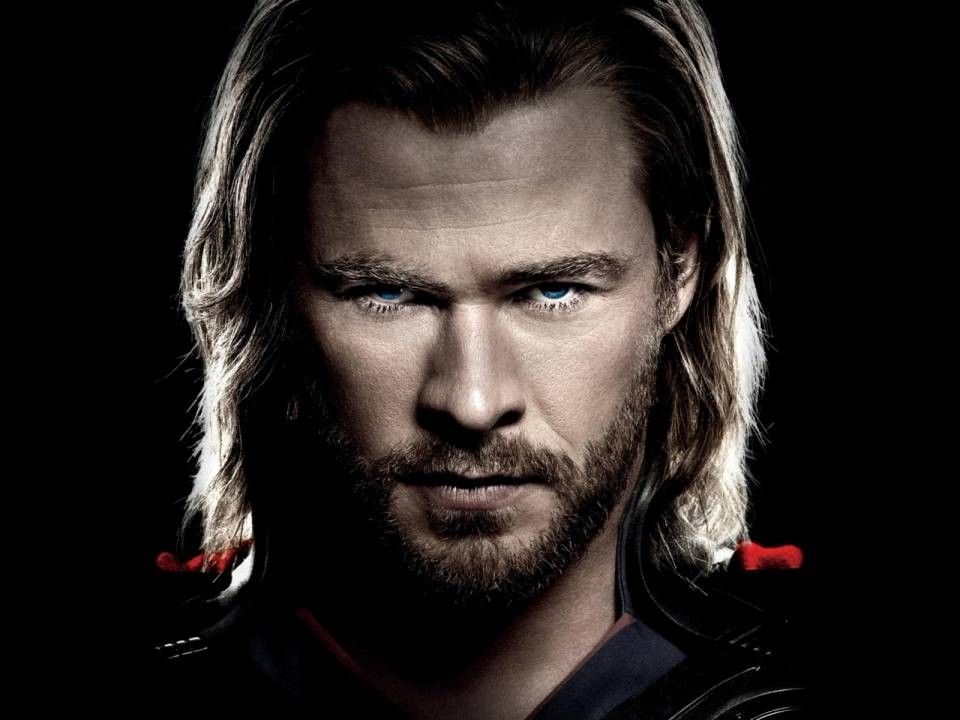 Chris Hemsworth Brushes Away The Idea Of A DC Rivalry