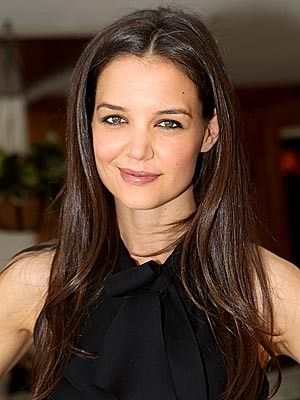 Katie Holmes To Conform To Utopian Society In The Giver