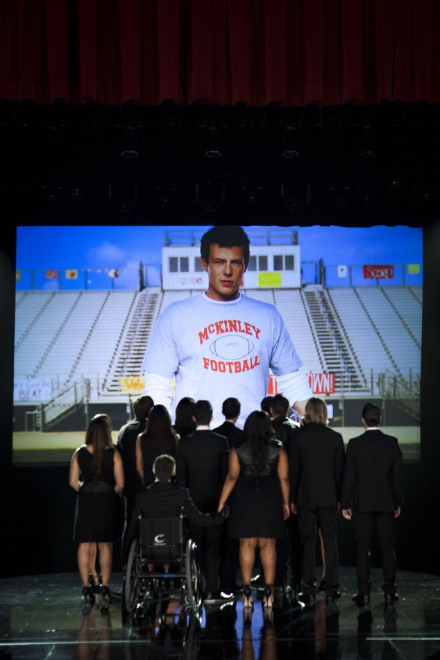 The Quarterback Brings In The Viewers As Gleeks Unite To Say Goodbye