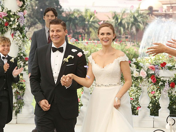 Fans Of Bones Are Ask To Attend The Wedding Of The Year