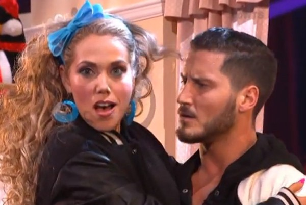 Elizabeth Berkley, Jessie On Saved By The Bell, Jived Back Into Character On DWTS