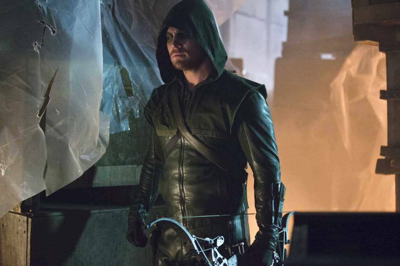 Everyone Has A Secret Identity In Latest Arrow Episode